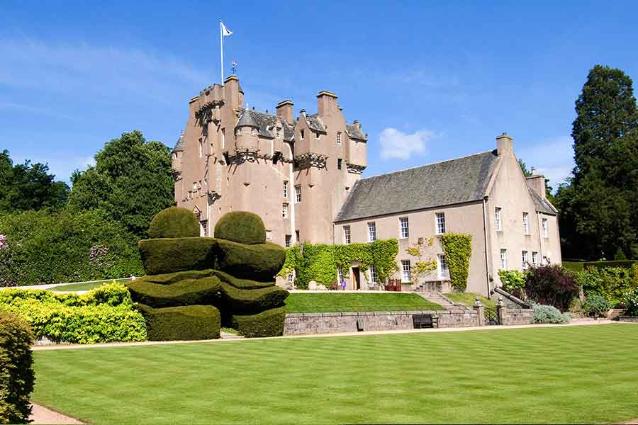 crathes castle from front
