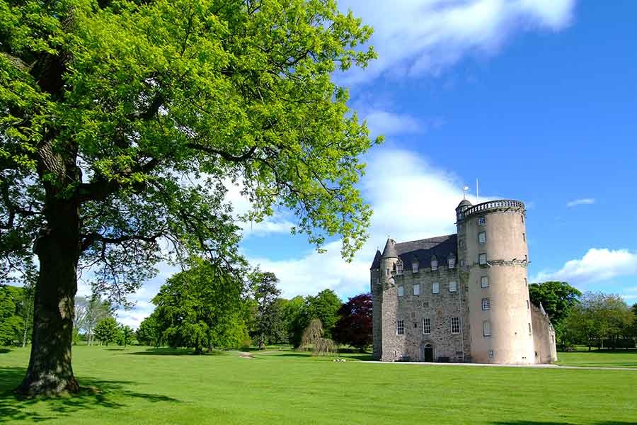 castle fraser grounds